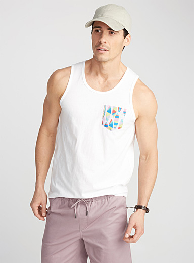 Accent-pocket tank