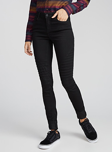 Accent topstitching skinny jean
