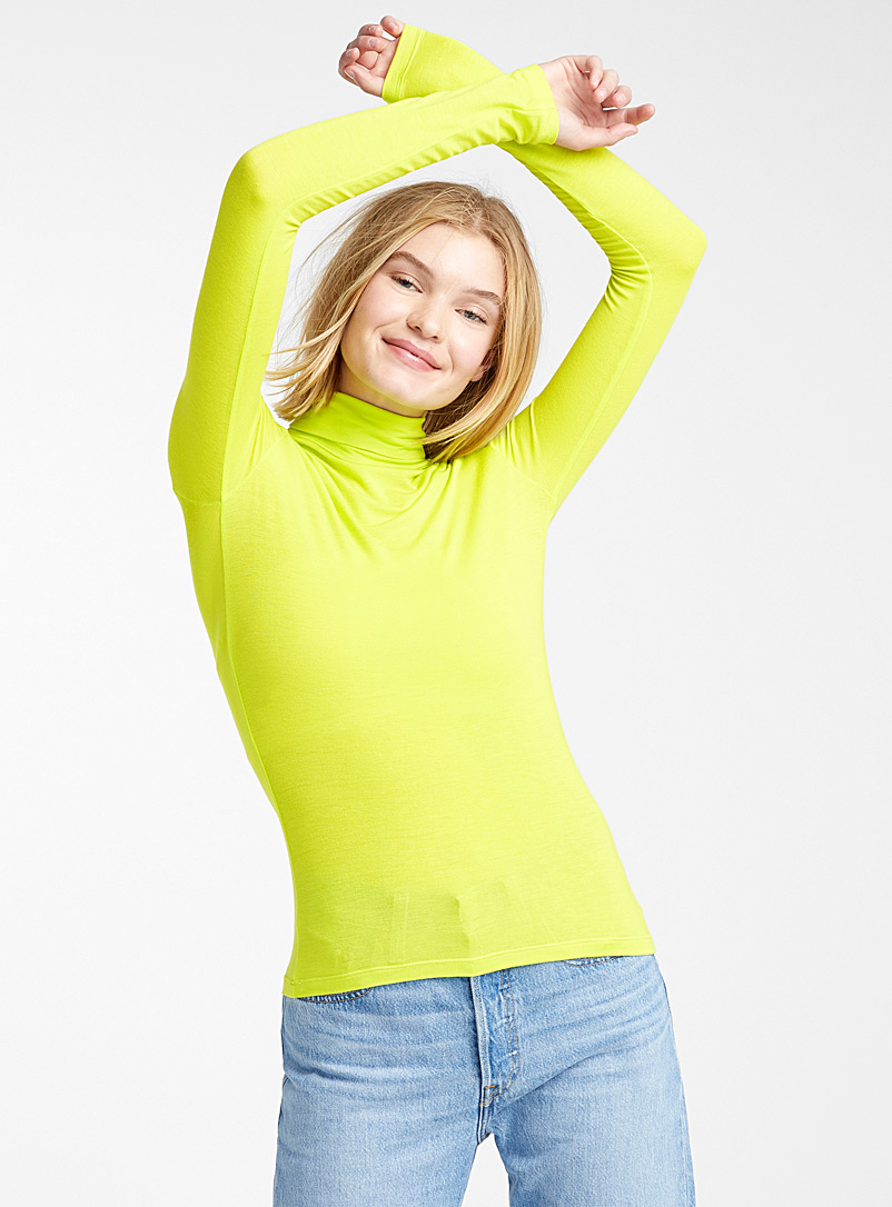 Fitted turtleneck tee - Long Sleeves - Lime green