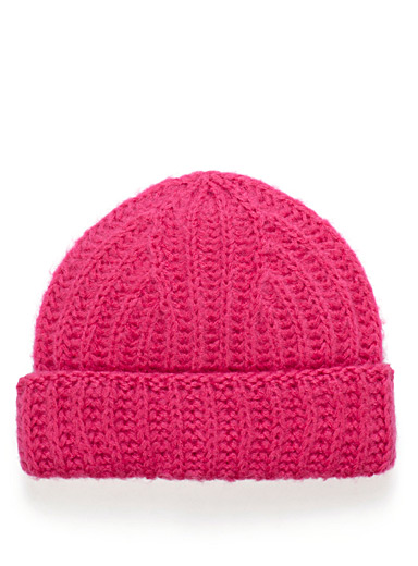 Solid knit tuque