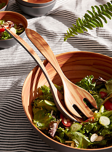 Salad servers with wood-like details Set of 2