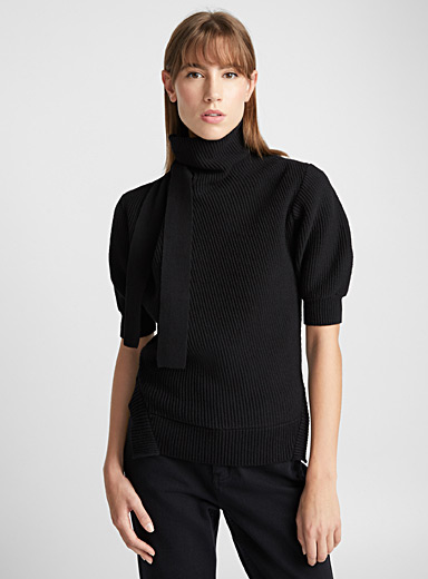Short-sleeve high neck sweater