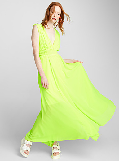 Plunging V-neck chiffon maxi dress