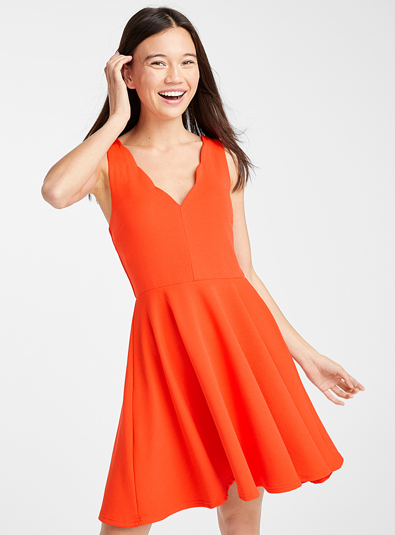 Scalloped neck dress - Fit & Flare - Red