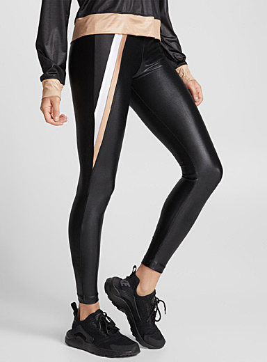 Le legging satiné accent doré
