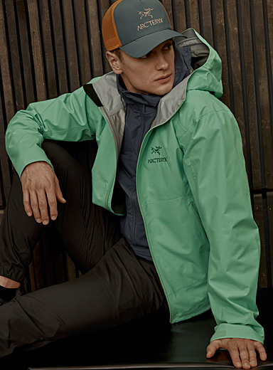 Zeta SL shell coat <br>Fitted style