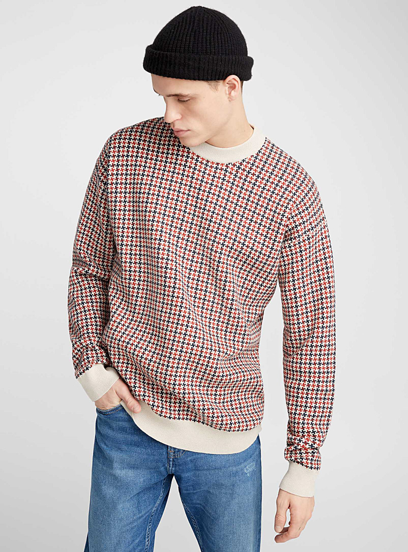 neo-houndstooth-sweater