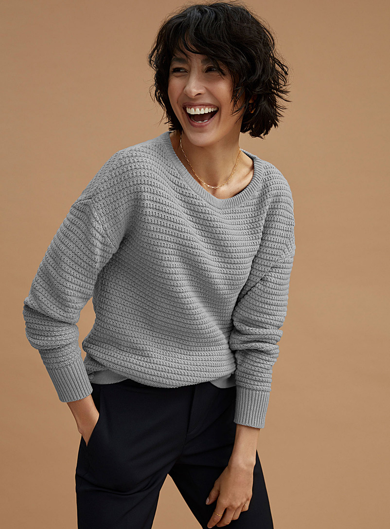 Le pull ample maille panier