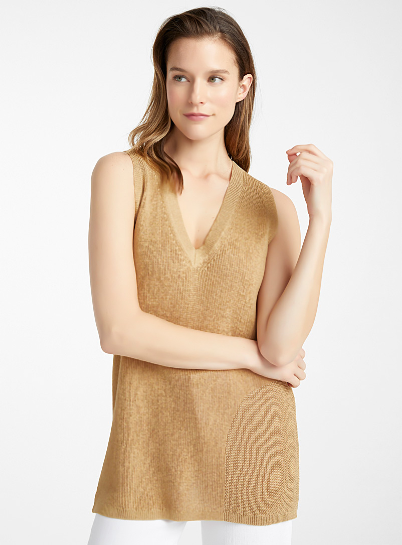 Contemporaine Honey Fluid V-neck ribbed cami for women