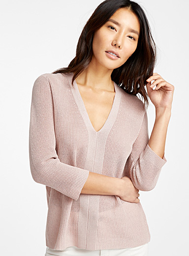 Fluid ribbed sweater