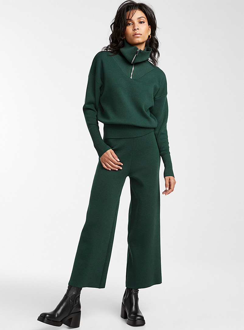 Icône Mossy Green Structured knit wide-leg crop pant for women