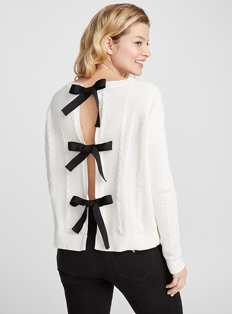 three-bow-sweater
