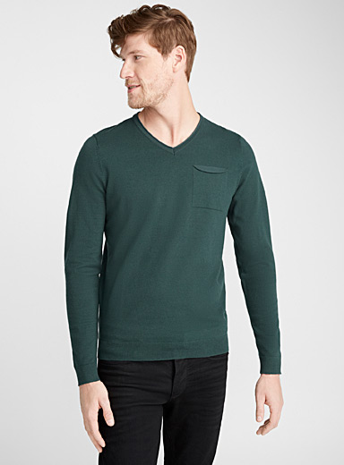 Rolled V neck sweater