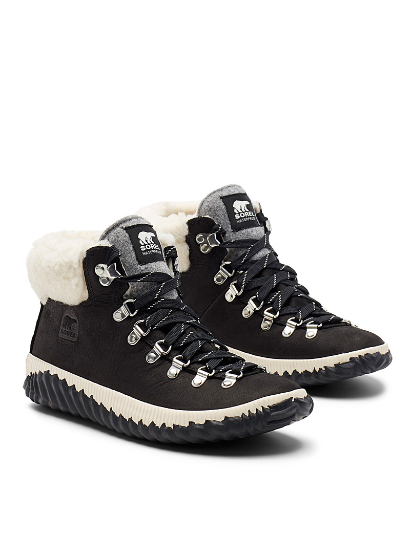 Sorel Black Out 'N About Plus Conquest booties  Women for women