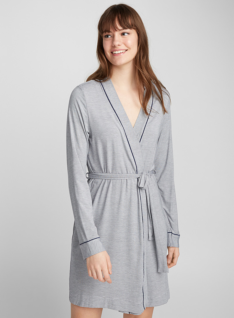 cropped-micro-stripe-robe