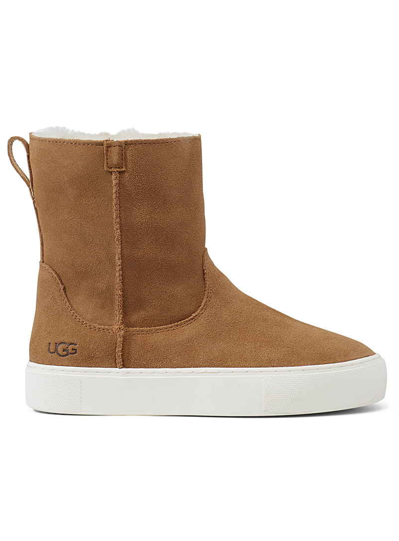 Slip-on suede winter boots