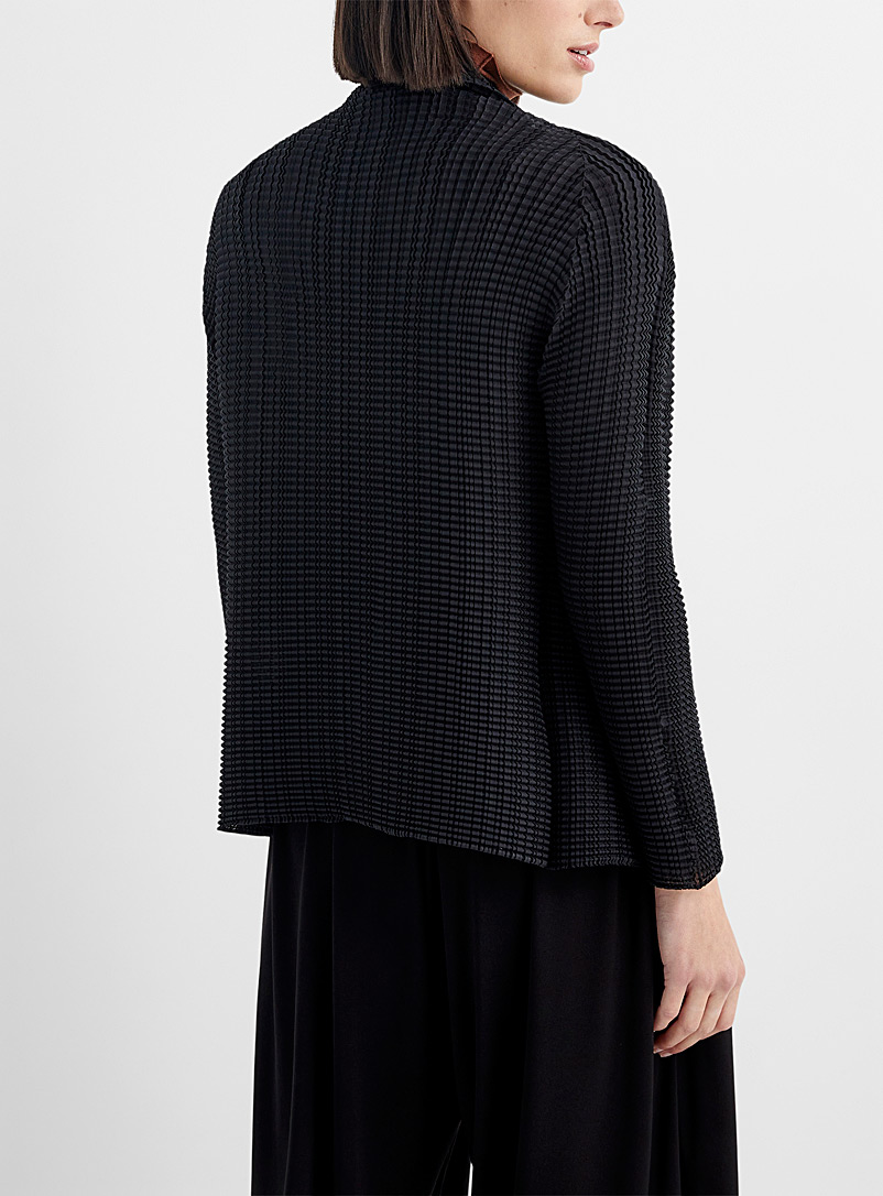 Issey Miyake: Le cardigan forme libre Wooly Pleats Noir pour femme