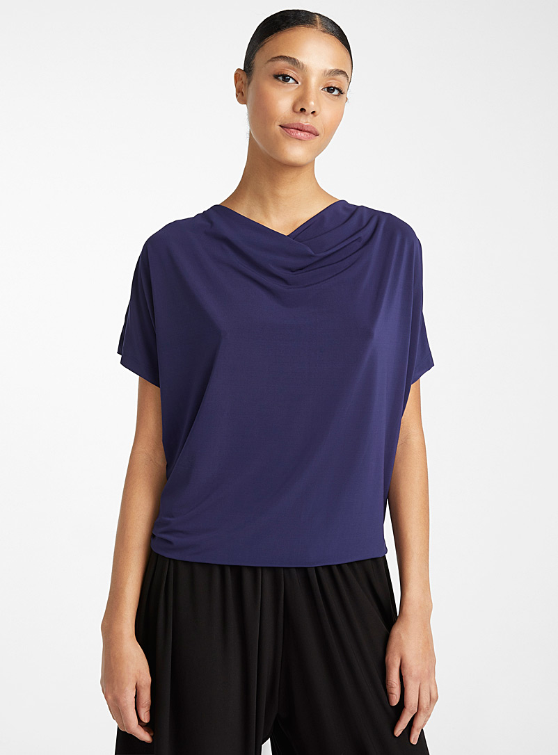 Issey Miyake: Le top Drape Jersey Marine pour femme