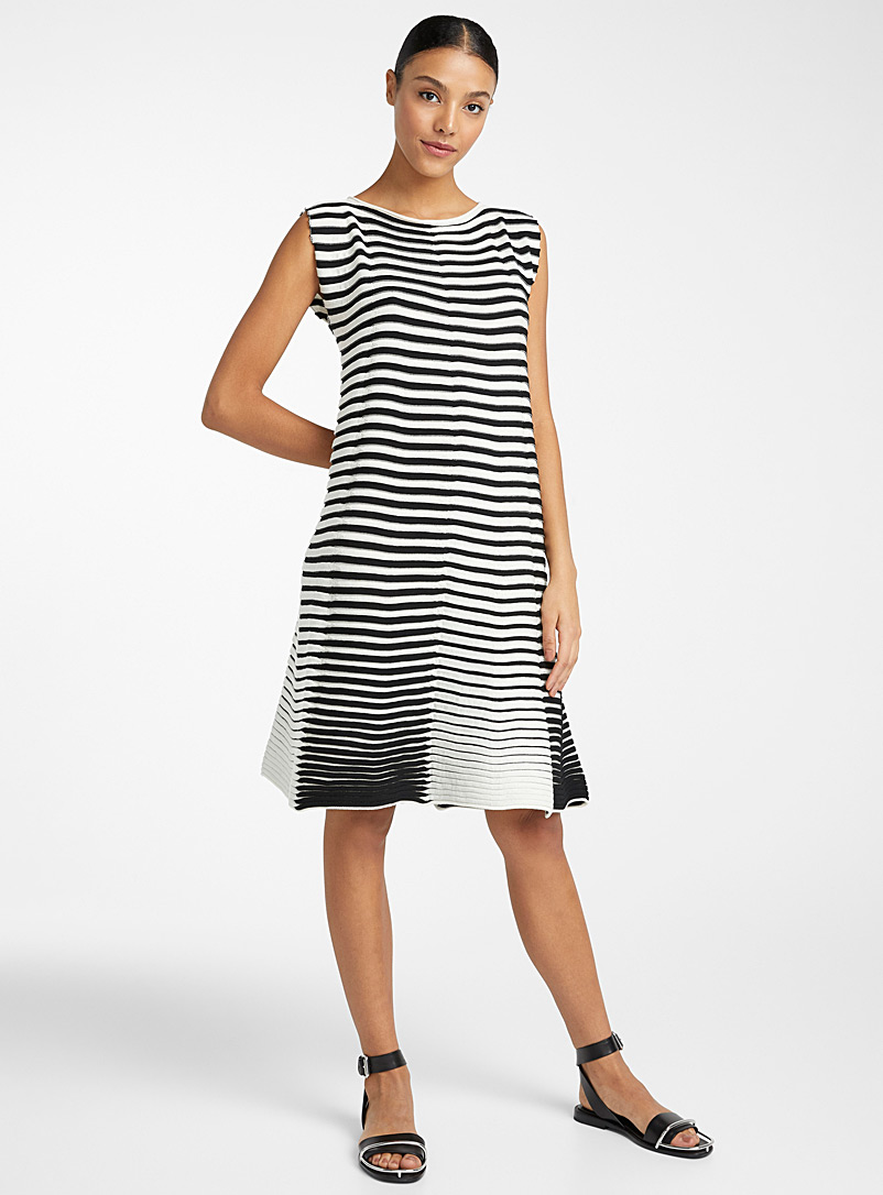 3D stripe knit dress - Issey Miyake - Black and White
