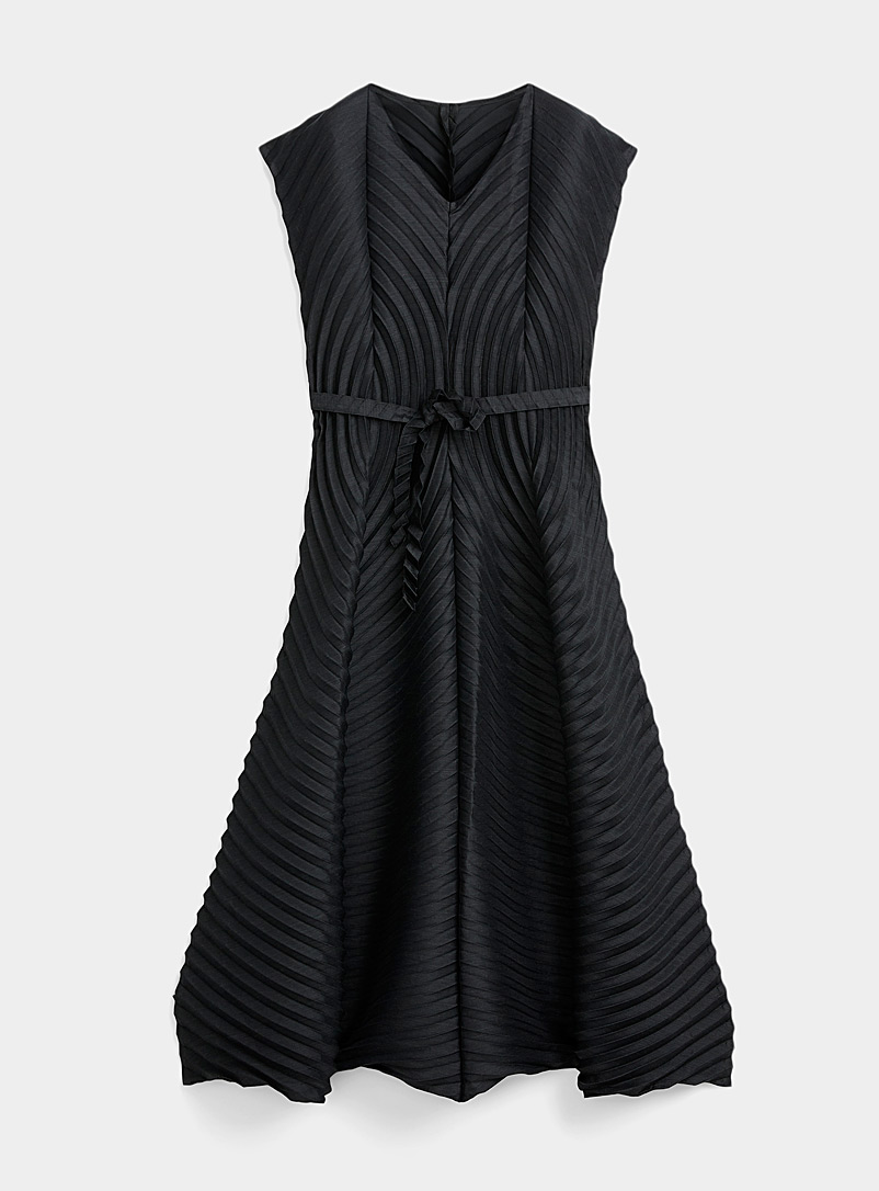 Issey Miyake Black Wool Circle Pleats dress for women