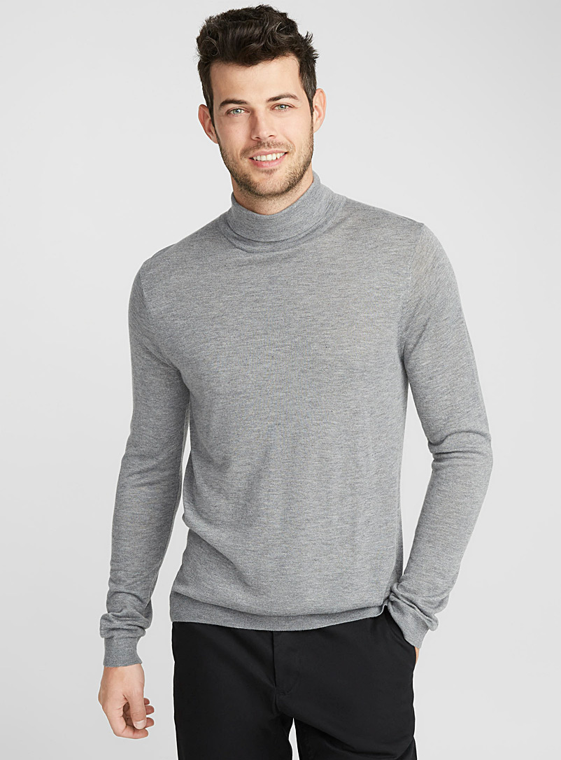 le-pull-col-roule-epure