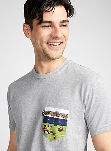 Warm-up pocket T-shirt
