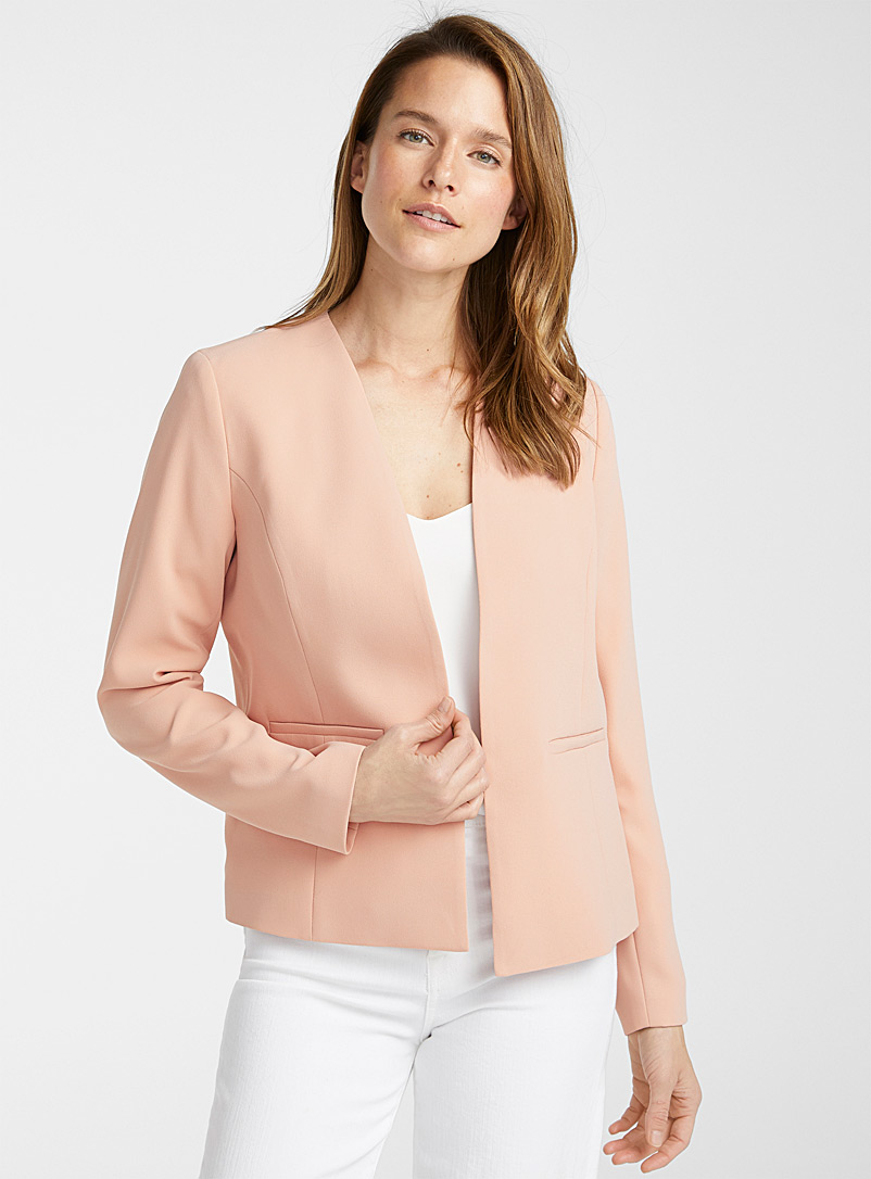 Contemporaine: Le veston sans revers minimaliste Rose pour femme