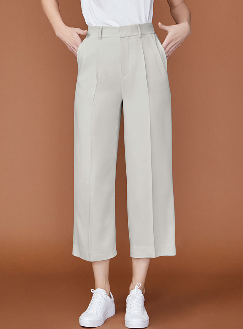 cropped-wide-leg-pleated-pant