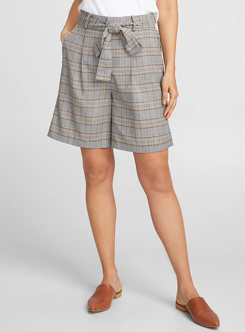 touch-of-colour-check-short