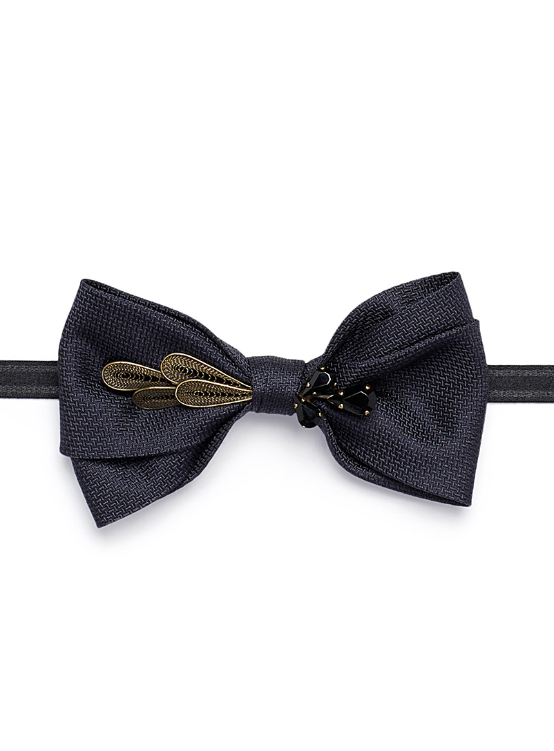 jewel-feather-navy-bow-tie