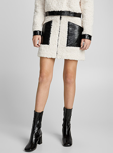 J09 faux-shearling and vinyl skirt