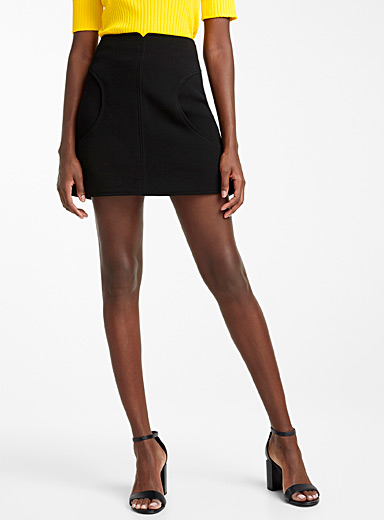 Rounded cutouts skirt