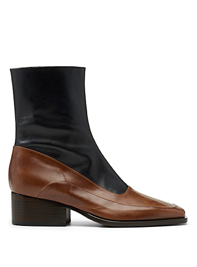 Two-tone heeled boots
