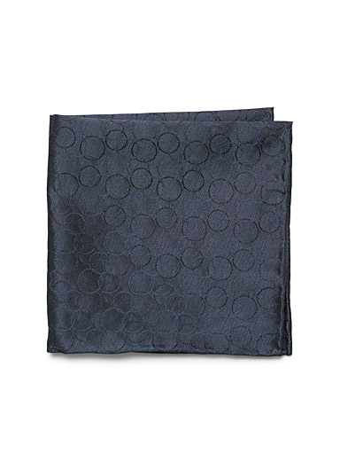 Tone-on-tone circle pocket square