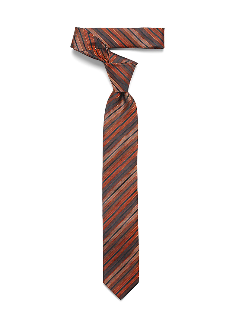 Graded stripe tie