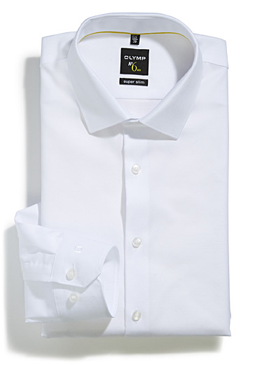 White piqué shirt <br>Tailored fit