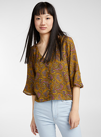Buttoned printed V-neck blouse