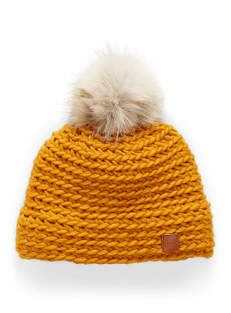 removable-pompom-tuque