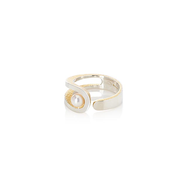 openwork-pearl-ring