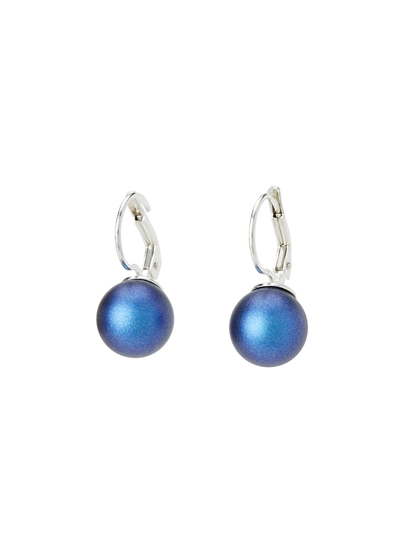 Iridescent pearl sleeper earrings - Earrings - Blue