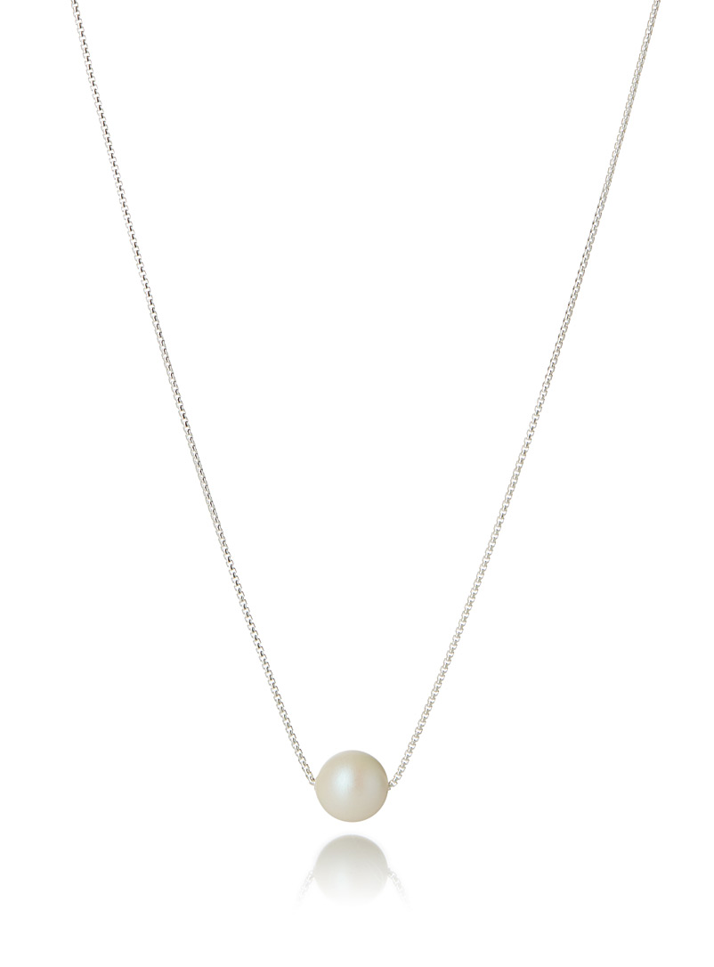 Luminescent pearl necklace - Designer Jewellery - White