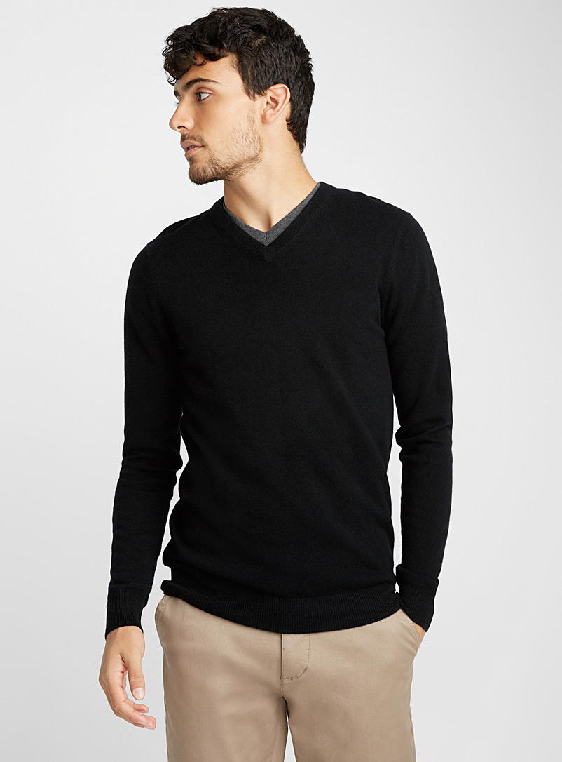 pure-cashmere-v-neck-sweater