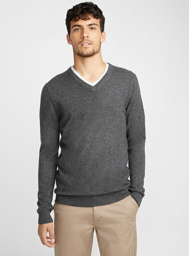 Le pull col V pur cachemire