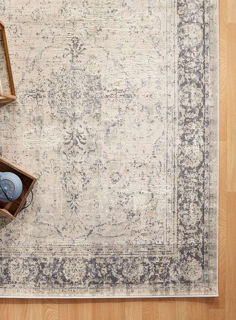Simons Maison Patterned Grey Faded medallion rug