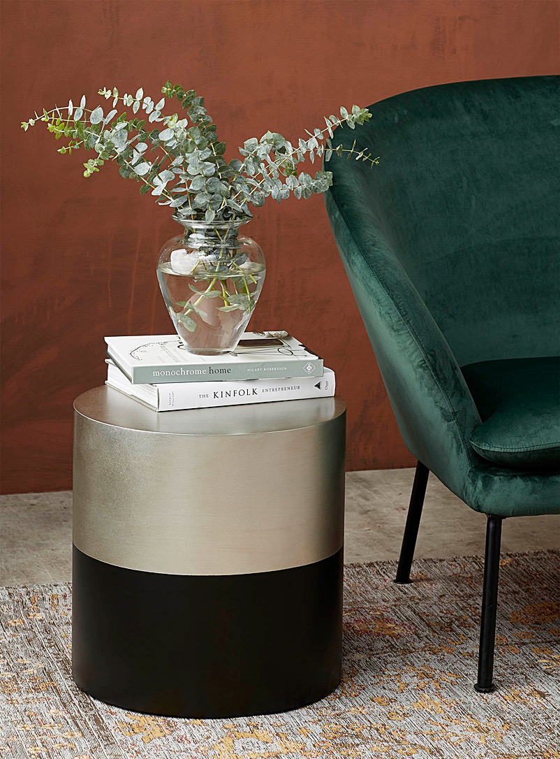 cylindrical-side-table