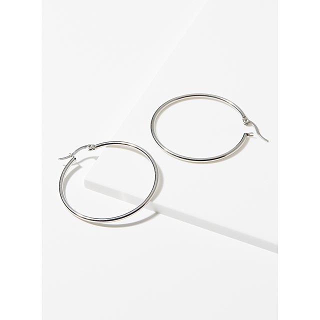 silver-thin-hoops