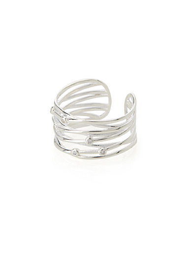Crossed multi-tier ring