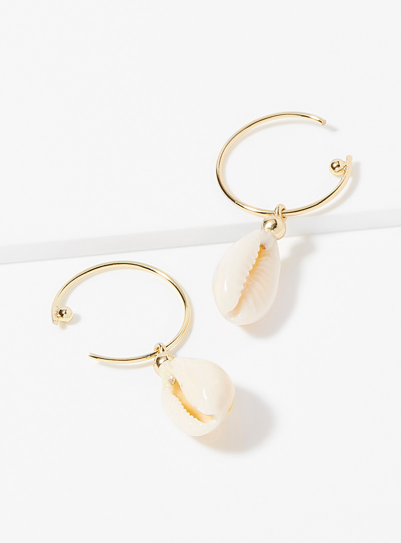 aki-shell-earrings