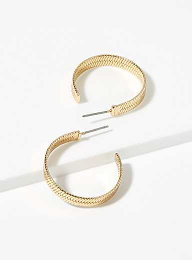 Etched chevron hoops