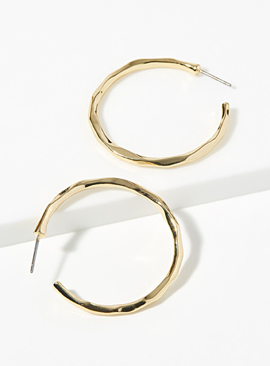 Sculpted irregular hoops